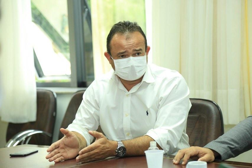 Políticos repercutem saída de Chefe da Casa Civil