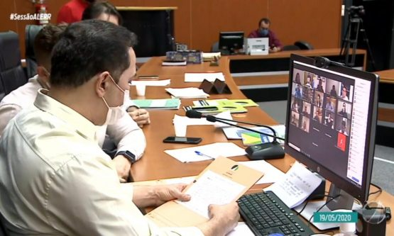 Deputados cobram cumprimento de leis e rejeitam pedido de intervenção federal