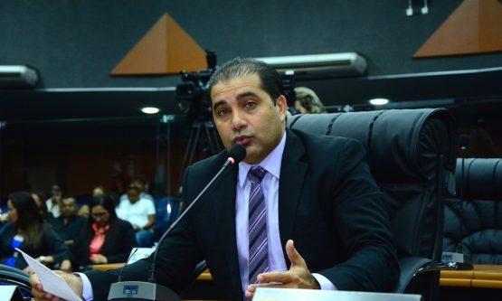 CASA CIVIL: Deputado nega convite e elogia ex-secretário