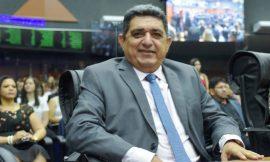 Juiz pede vista e TRE suspende julgamento de deputado estadual