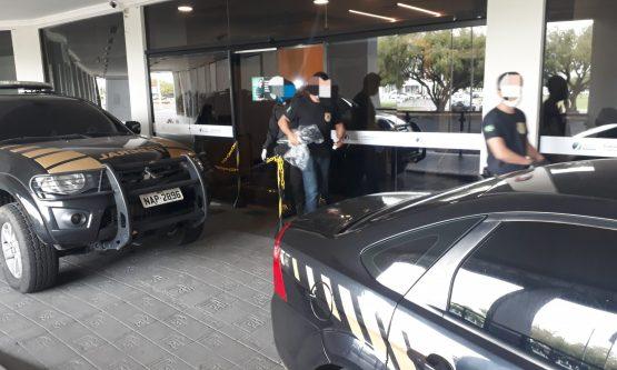 Policiais contrataram chaveiro para abrir gabinete de deputado