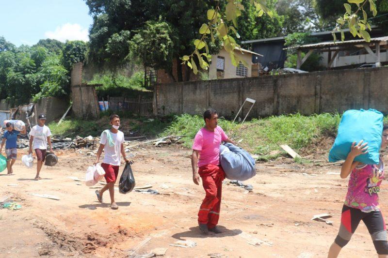 Cerca de 40 brasileiros e estrangeiros viviam na área, metade deles crianças. (Foto: Ascom/CMDH