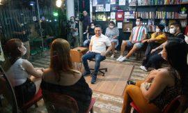 Jovens de Boa Vista questionam pré-candidato sobre gestão municipal