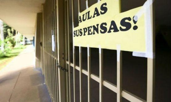MESMO SEM AULAS: Prefeitura abriu mais de R$ 25 milhões em contratos para as escolas