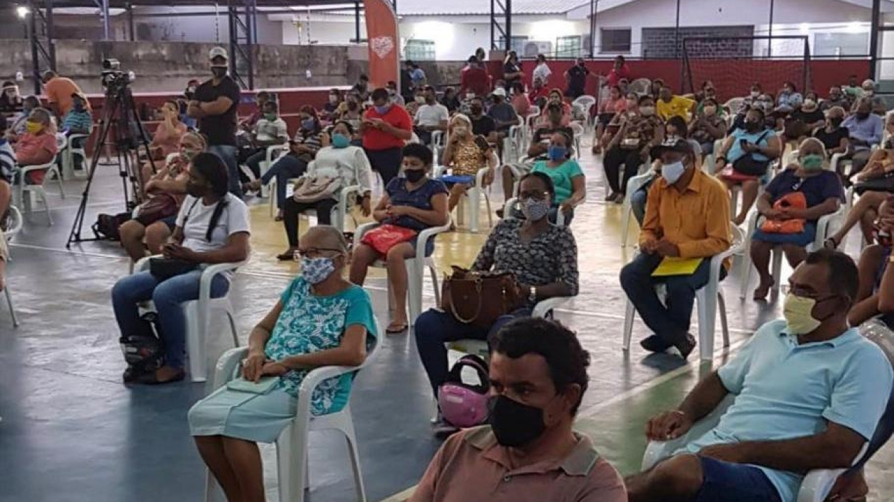 Pré-candidato de Teresa Surita entrega títulos em solenidade da prefeitura