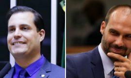 'Desconheço esse apoio a Nicoletti', diz filho de Bolsonaro