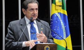 Mozarildo Cavalcanti desiste de pré-candidatura à Prefeitura