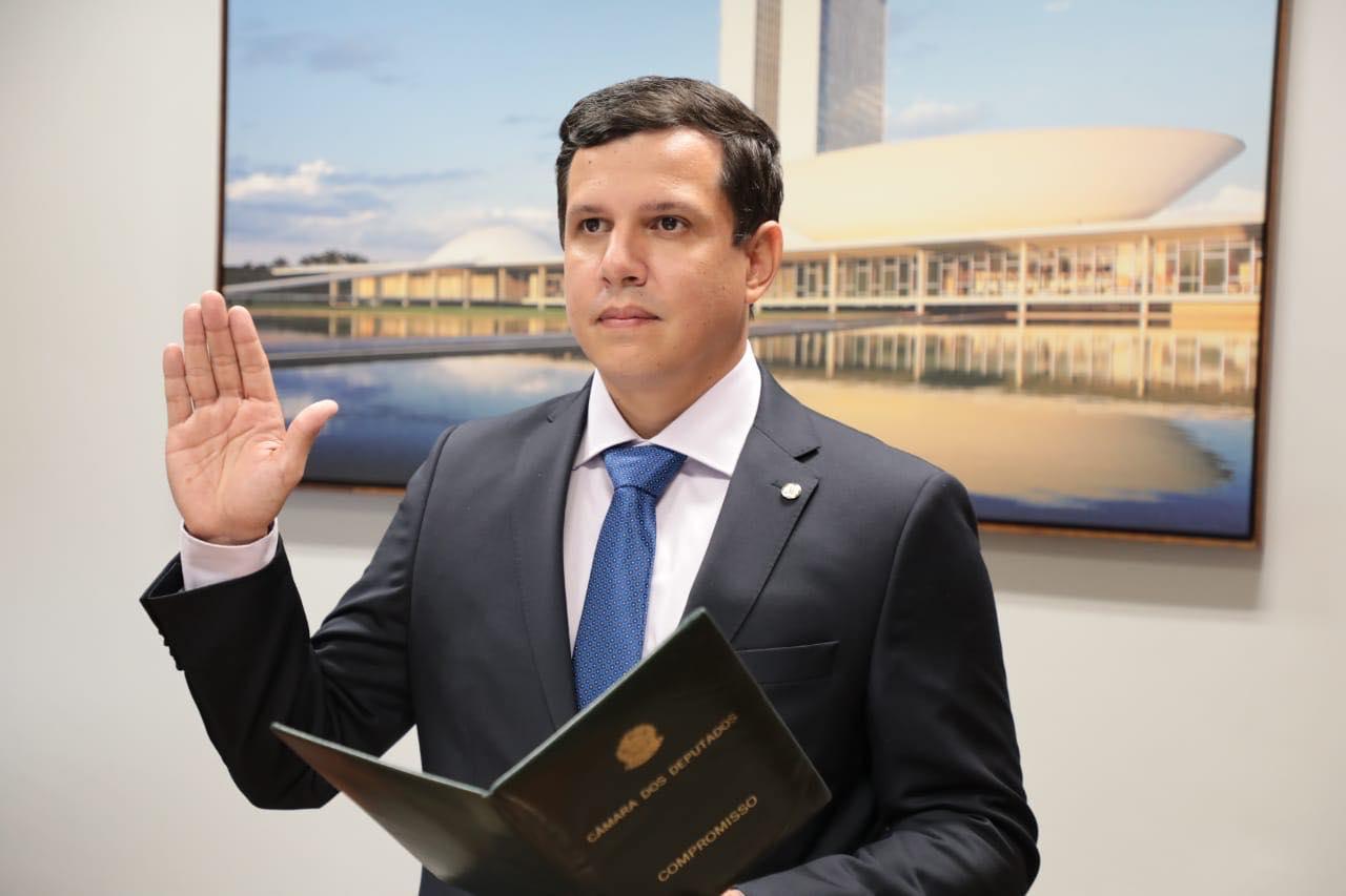 Suplente, Renato Queiroz assume mandato de deputado federal por Roraima