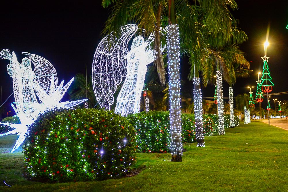 Por causa de campanha eleitoral, Prefeitura antecipa acendimento de luzes de Natal