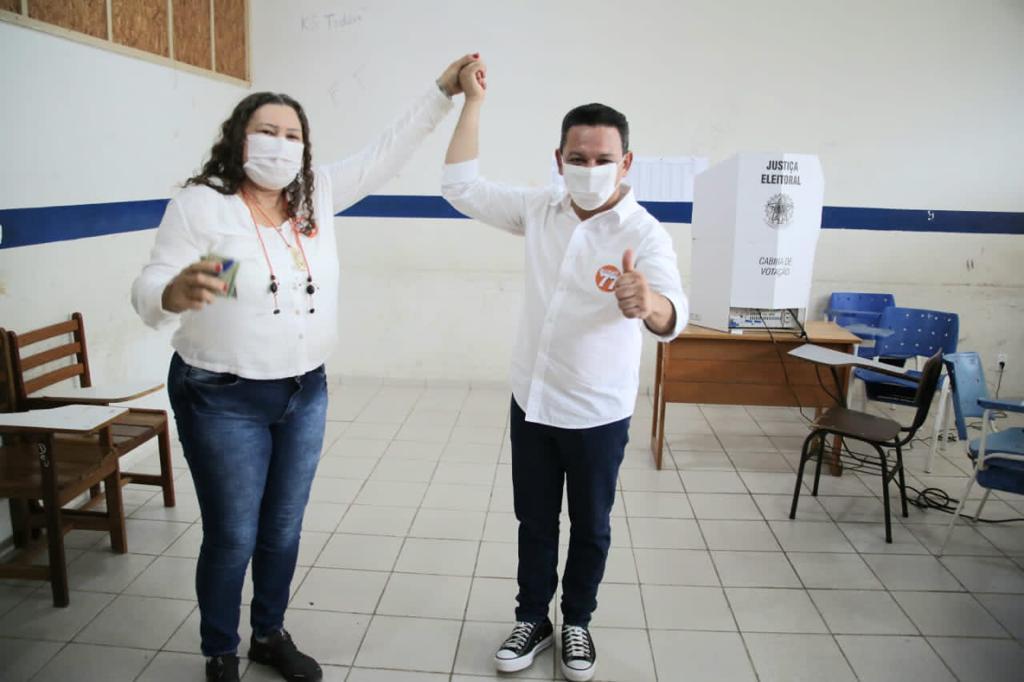 SEGUNDO TURNO: Ottaci e Lenir Rodrigues votam pela manhã no domingo