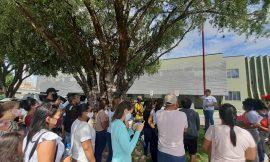 Professores protestam por Fundeb, mas não são atendidos por prefeita