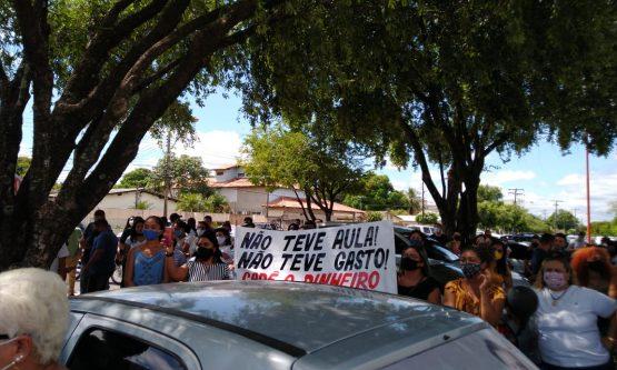Professores criticam 'gestão antidemocrática' de Prefeitura e farão novo protesto por Fundeb