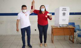 ELEIÇÕES 2020 Após votarem, Ottaci e Lenir convidam população a comparecer às urnas