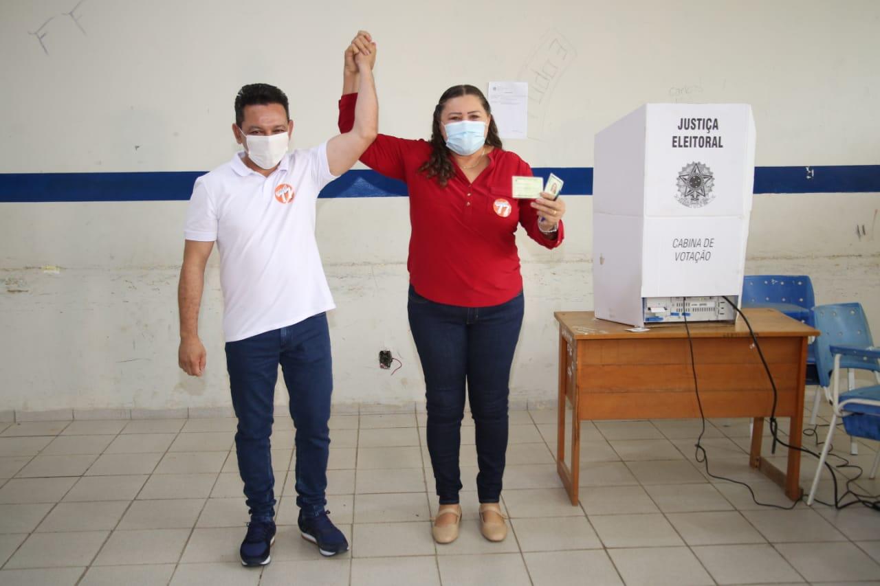You are currently viewing ELEIÇÕES 2020 Após votarem, Ottaci e Lenir convidam população a comparecer às urnas