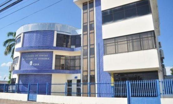 Prefeitos e ex-prefeita do interior são multados pelo TCERR em quase R$ 1 milhão