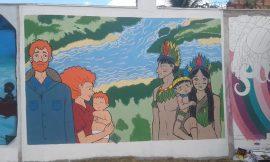 Mural da Prefeitura que custou quase meio milhão começou a rachar