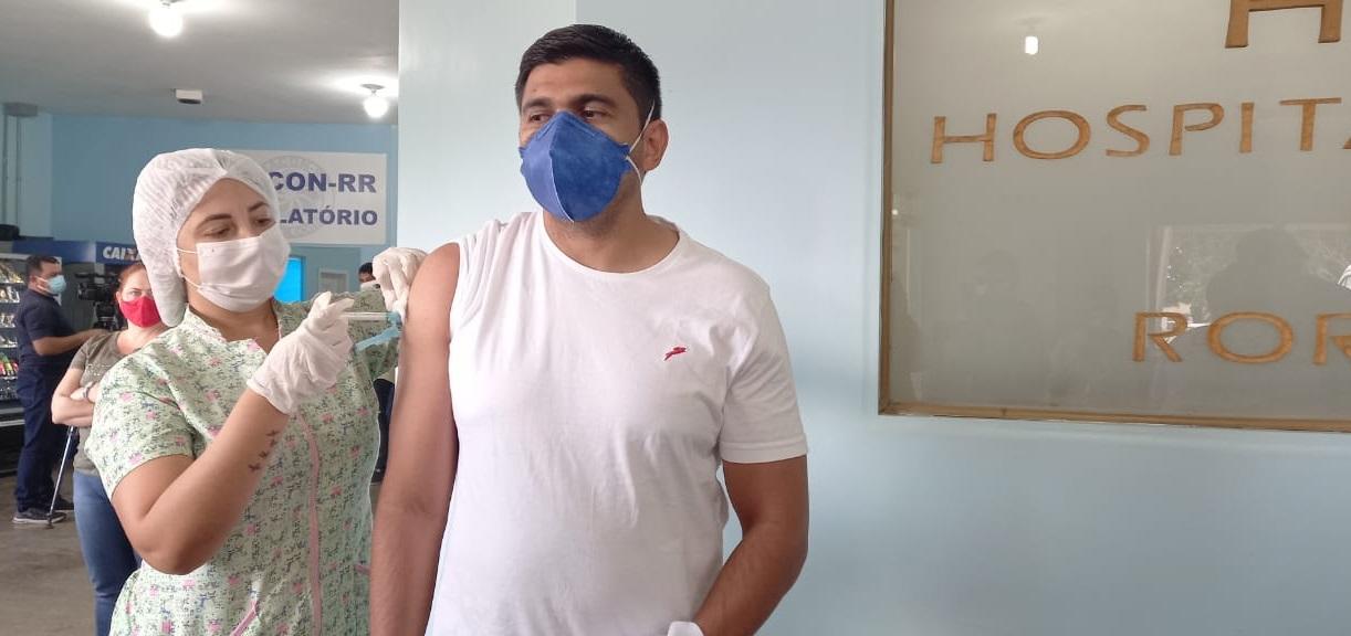 Servidores do HGR começam a ser vacinados