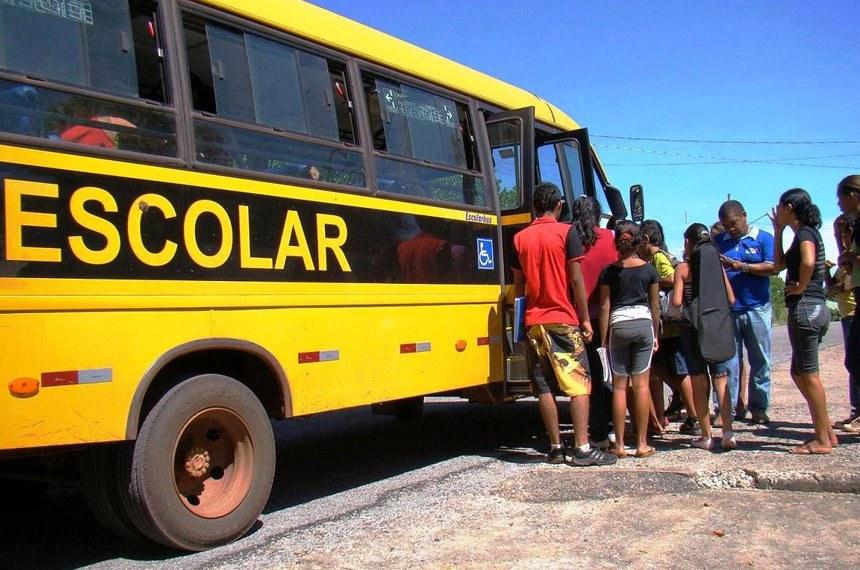 You are currently viewing Mesmo com aulas suspensas, prefeitura faz licitação milionária para transporte escolar