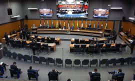 Deputados aprovam projeto que facilita compra de armas de fogo por agentes de segurança