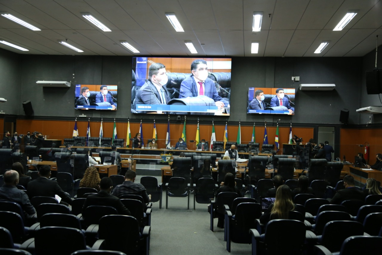 You are currently viewing Seis requerimentos foram aprovadas em sessão plenária da ALE-RR