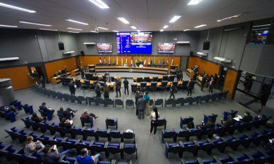 Assembleia aprova PCCR que garante reajuste de 43% para servidores da Saúde