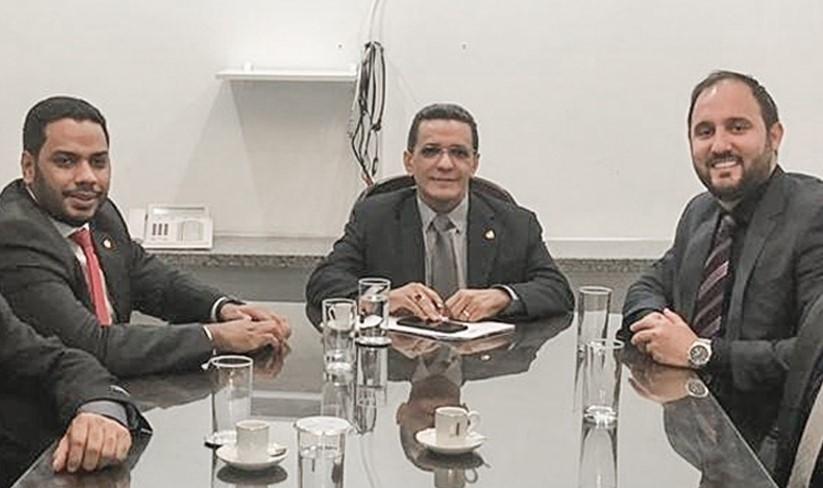 You are currently viewing Deputado critica senador e partido abre processo de expulsão