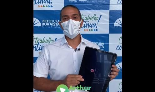 You are currently viewing Alvo de investigação do MP, Prefeitura entrega notebooks adquiridos por R$ 16 milhões