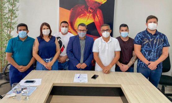 CPI DO LIXO: Vereadores fazem diligência no lixão para coletar informações