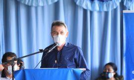 Governador anuncia asfaltamento da estrada de acesso ao Uiramutã