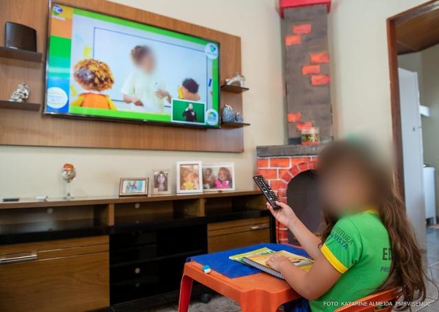 You are currently viewing Mesmo com aulas presenciais, Prefeitura gasta quase R$ 1 milhão por transmissão na TV