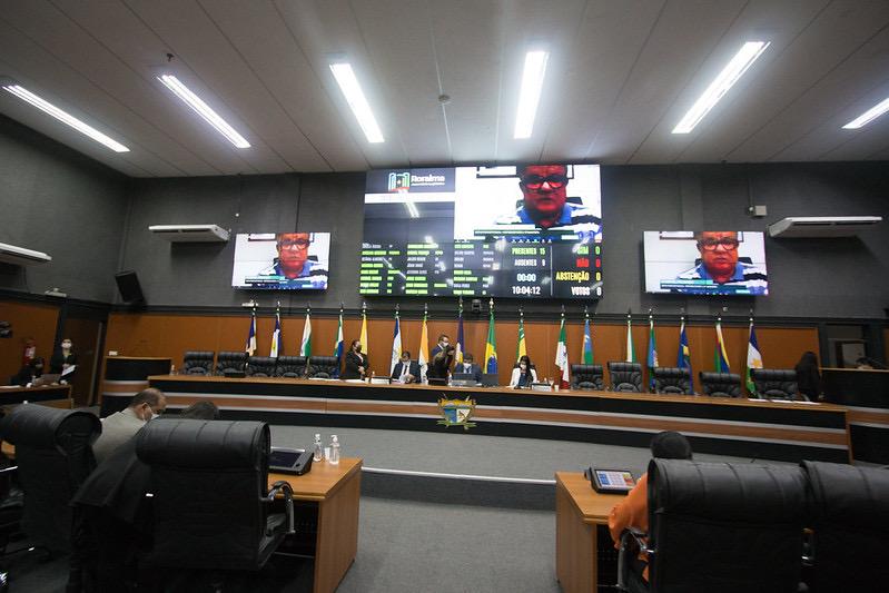You are currently viewing Deputados convocam superintendente do DNIT para explicar falta de manutenção na BR-174