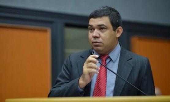 Sampaio acusa Jalser de exigir fim de inquérito e diz que governador sofreu ameaças